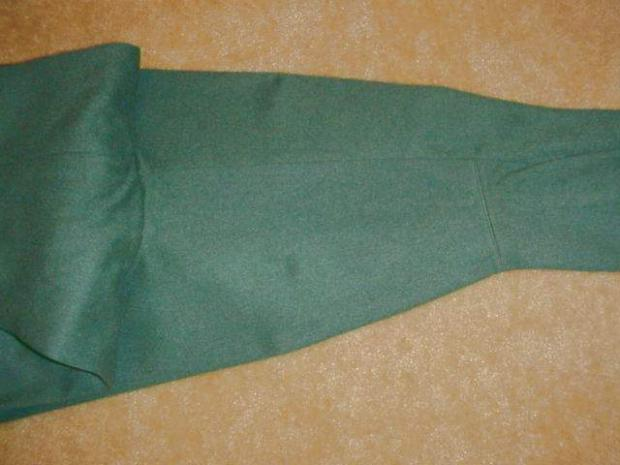 Breeches green with buttons crotch.JPG