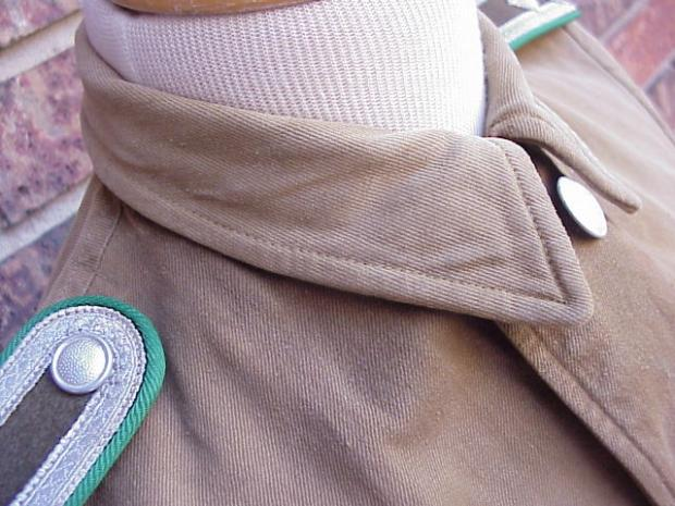 KVP GP coat collar.JPG