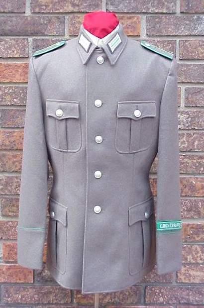DDR Grenz EM tunic.JPG