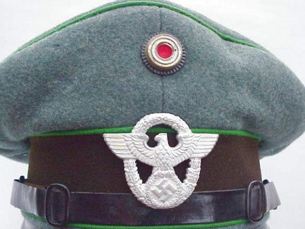 SCHUPO EM cap 1936 eagle.JPG