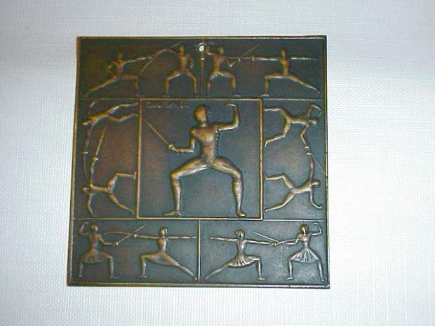 Pol fencing plaque.JPG