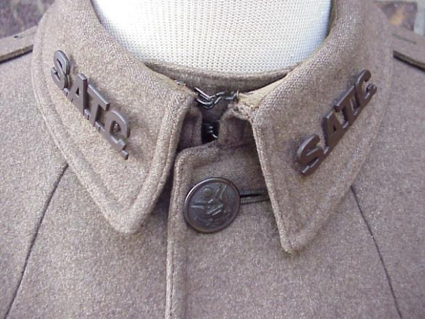 SATC coat collar.JPG