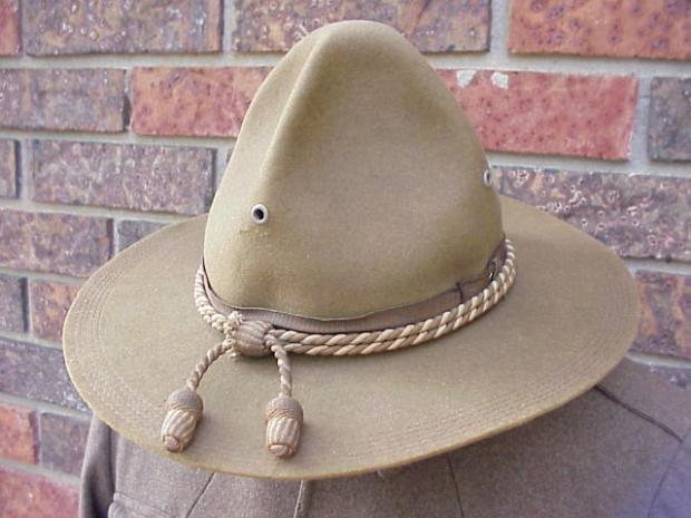 SATC hat.JPG